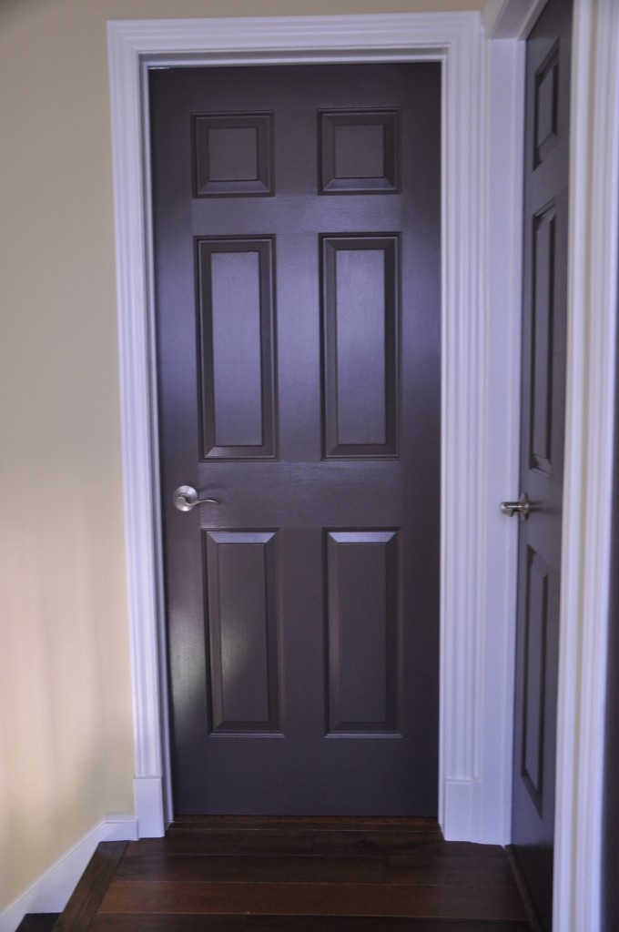 Brown doors paint a lifestyle for Painted interior doors
